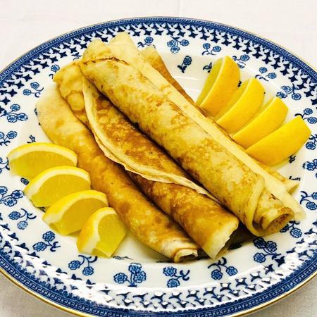 66712 От лимонных до сырных: 3 рецепта блинчиков от британской королевской семьи