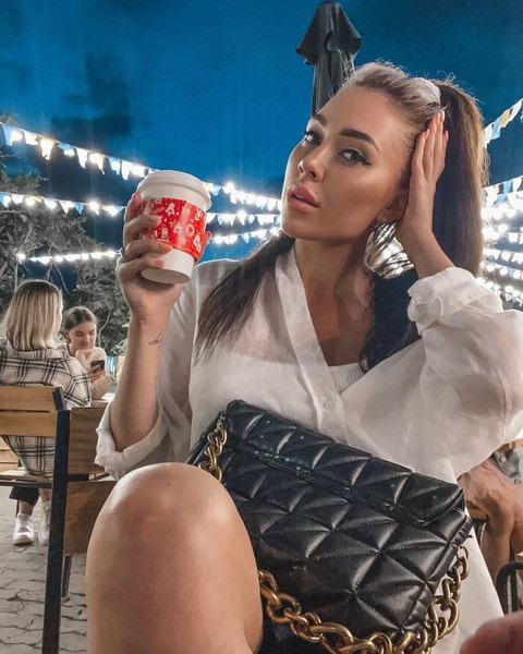 67070 Беременная Алена Рапунцель сбежала во Владивосток без мужа